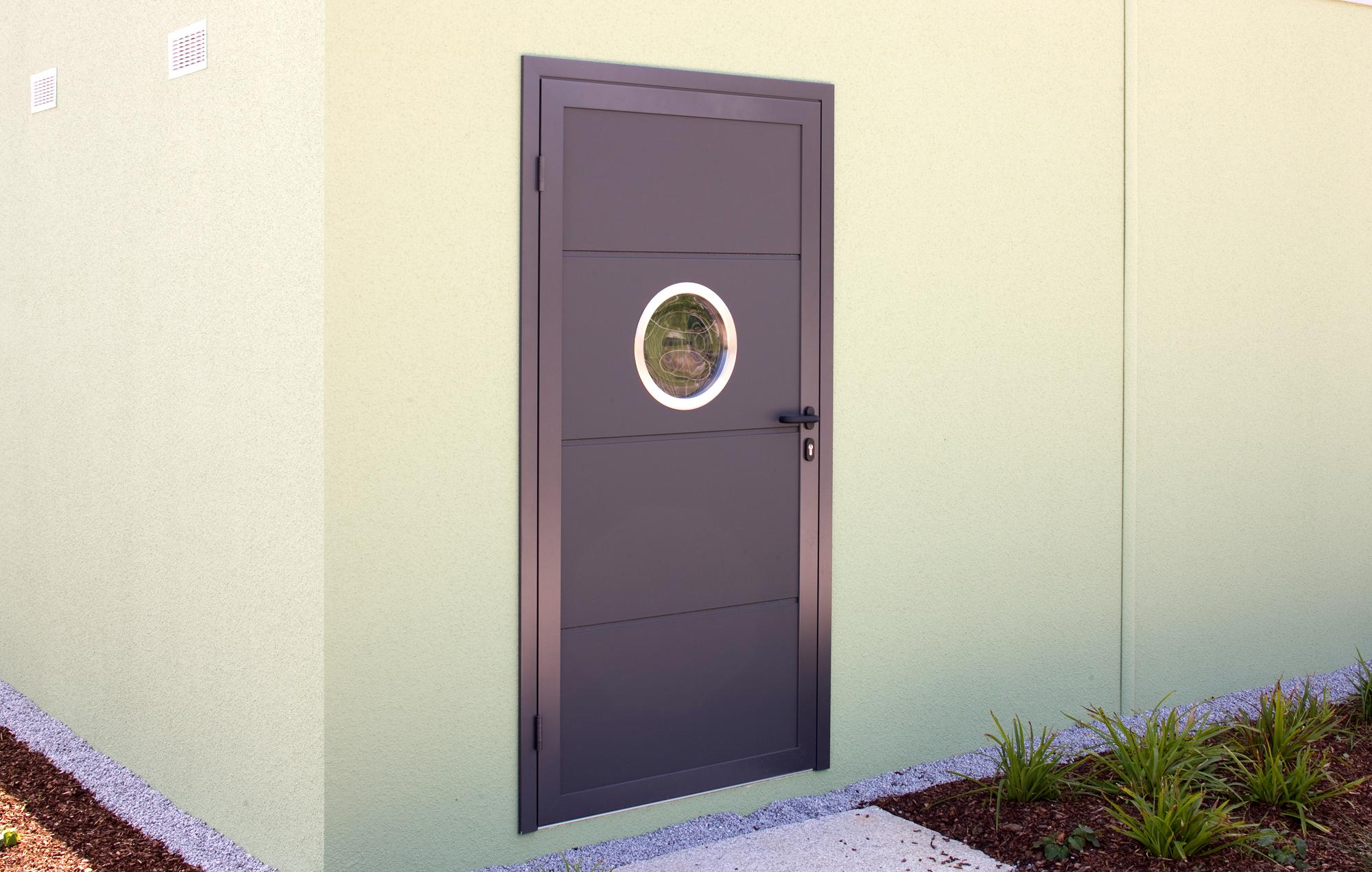 Ausstattung Garage mit Tür