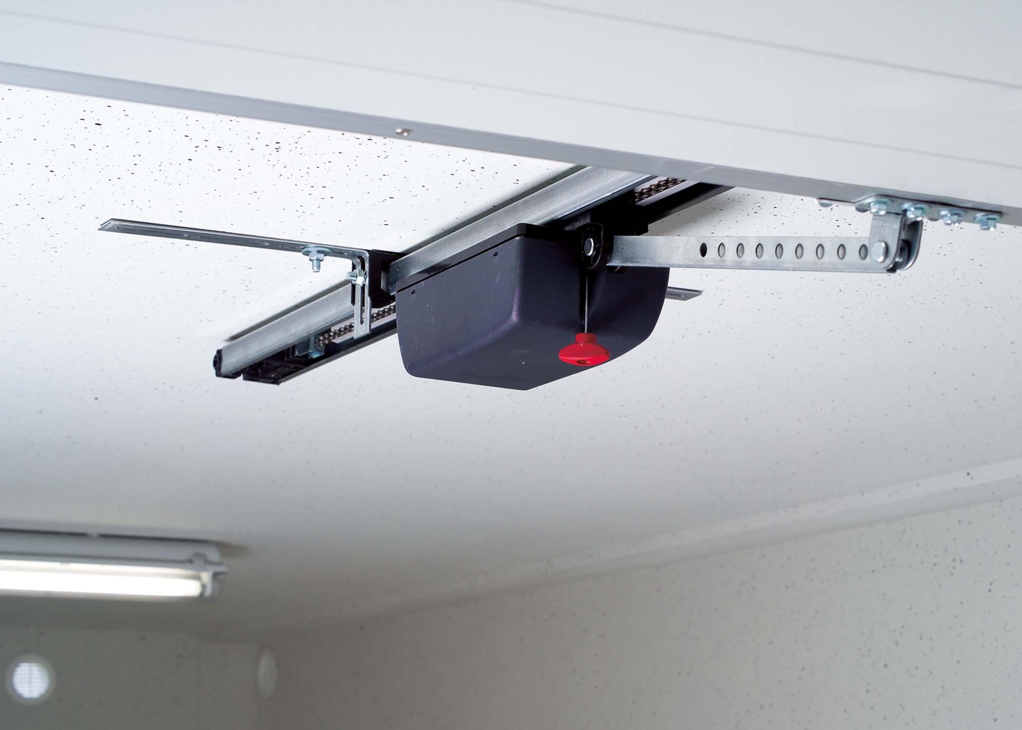 Ausstattung Garage mit elektronischem Torantrieb