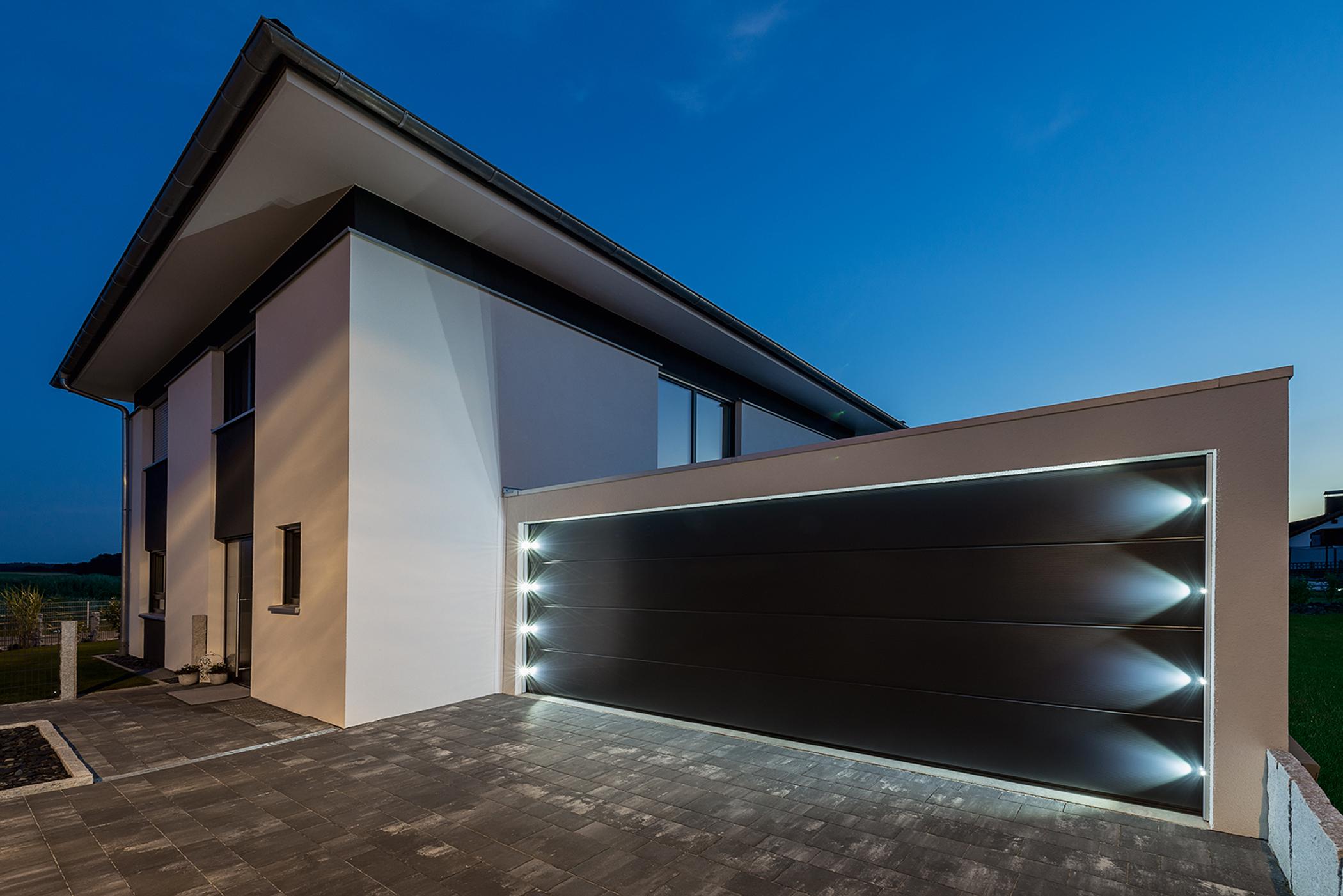 Großraumgarage mit LED-Spots